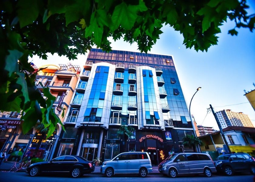 ERA PALACE HOTEL 4*